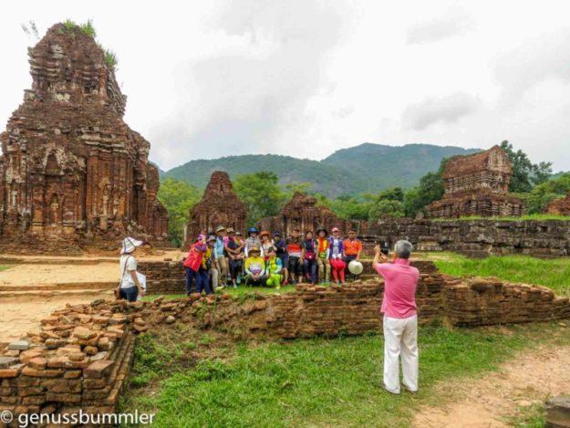 Mi Son Vietnam japanische Reisegruppe