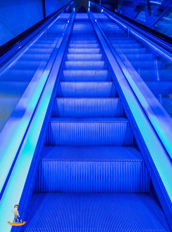 Rolltreppe Berlin Blue Man Group