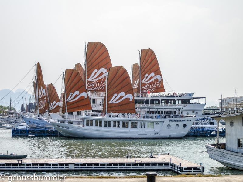 Halong Bucht Kreuzfahrt Schiffe