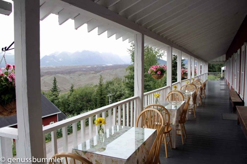 kennicott glacier lodge veranda