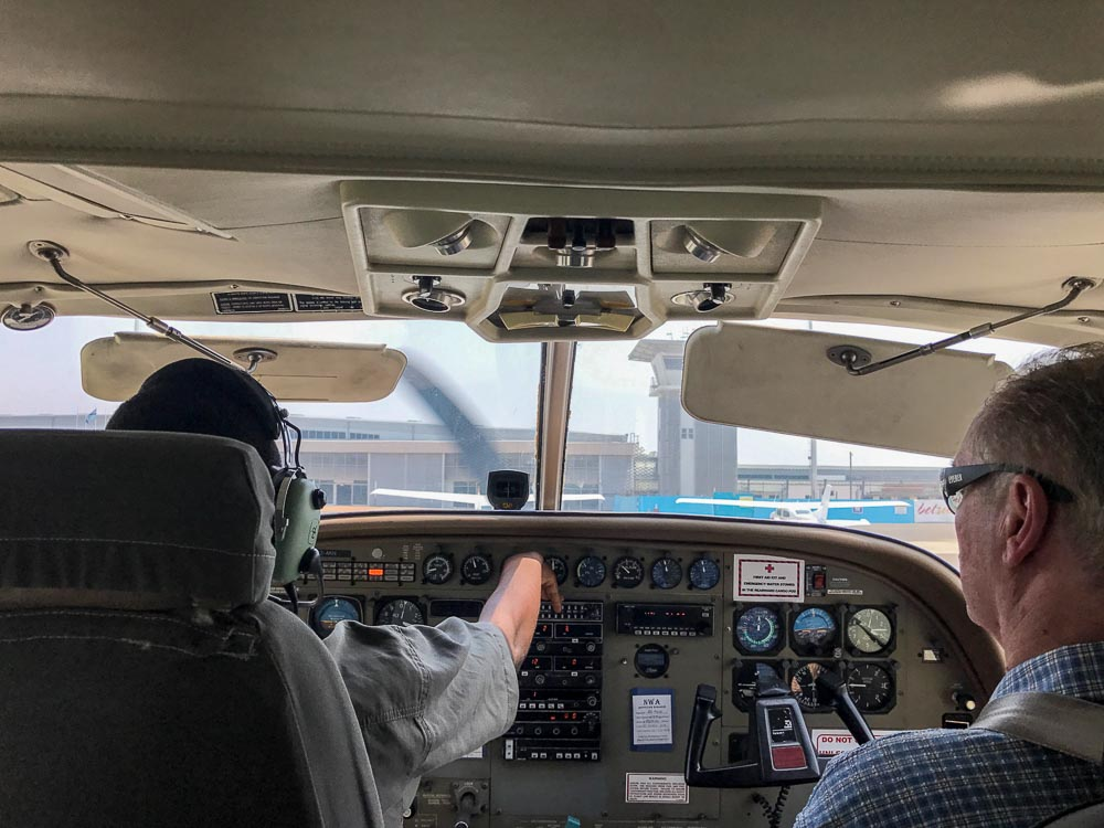 Botswana Savute Chobe Nationalpark Flugzeug